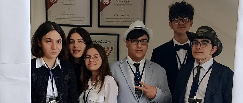 , Anadolu Lisesi Öğrencilerimiz MUN Konferansı'nda..